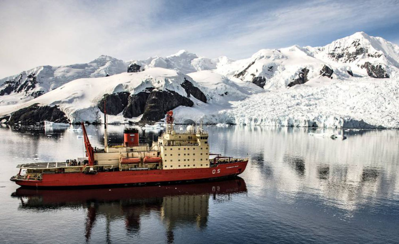 El rompehielos argentino Almirante Irízar, durante la campaña Antártica de 2018/2019.