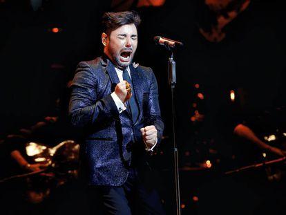 Miguel Poveda, durante una actuación en Madrid.