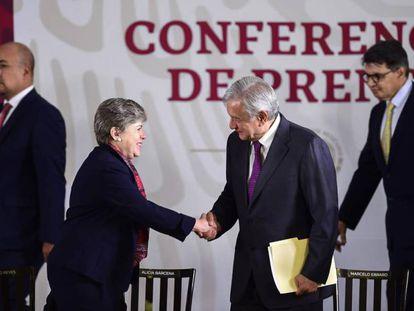Alicia Bárcena, secretaria de la CEPAL, y Andrés Manuel López Obrador, presidente de México.