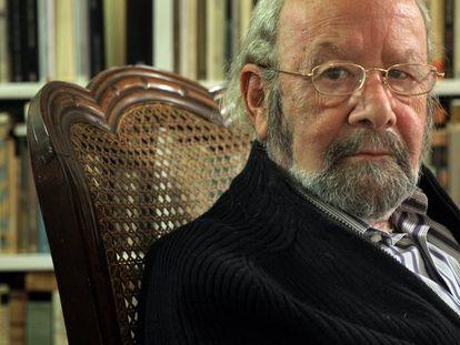 José Manuel Caballero Bonald, en su casa de Madrid.