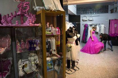 La tienda Principesa de Vallecas (Madrid), especializada en fiestas de quince años.