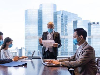 Las empresas buscan ejecutivos experimentados en crisis.