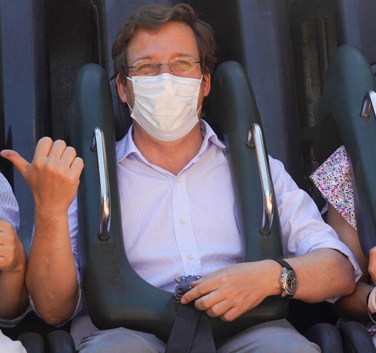 El alcalde de Madrid, José Luis Martínez-Almeida, ha acudido hoy a la reapertura tras el estado de alarma del Zoo, el Parque de Atracciones y el Teleférico.