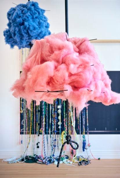 La sala Cosmic Loom (el telar cósmico). Las fibras y los colores de las lanas fueron seleccionados junto a mujeres chamanes de distintos orígenes.