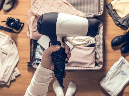 Ocupan poco espacio y se pueden plegar perfectos para encajar en cualquier maleta. GETTY IMAGES.