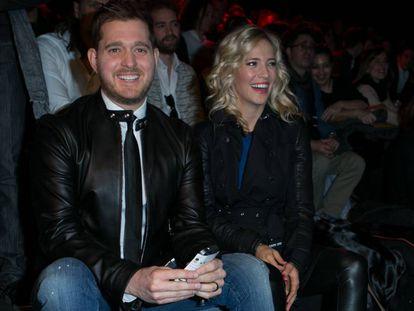 Michael Bublé y Luisana Lopilato, en el Madrid Fashion Week, el pasado febrero.