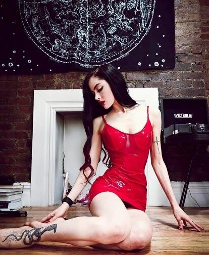 La astróloga y tiktoker Maren Altman posa en una fotografía de su cuenta de Instagram.