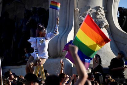 Protestas en Budapest contra Viktor Orbán y la nueva ley que prohíbe los contenidos que hagan referencia a la homosexualidad en los colegios.
