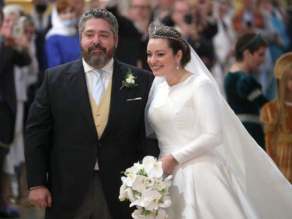 El duque Jorge Mikhailovich y Rebecca Bettarini, durante su boda en San Petesburgo el 24 de septiembre.
