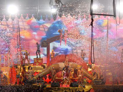 Imagen de uno del espectáculo de circo de 'SuperMartXé' en la discoteca Privilege de Ibiza.