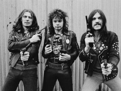 Incluso con los tres miembros originales de Motörhead muertos, el grupo de Lemmy no deja de aumentar la onda expansiva de su trascendencia. Y eso que al principio los críticos les despreciaron. Estos días se reeditan dos discos clave en su carrera,  Overkill  y  Bomber