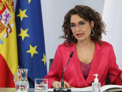 La ministra portavoz y ministra de Hacienda, María Jesús Montero, en la rueda de prensa tras el Consejo de Ministros de este martes.