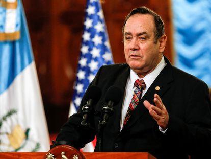 El presidente de Guatemala, Alejandro Giammattei, durante una rueda de prensa celebrada en Guatemala en febrero de 2020.