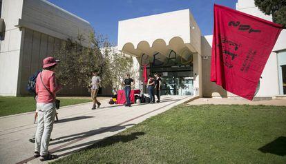 La fundación Miró cerrada afectada por la huelga del personal subcontratado.