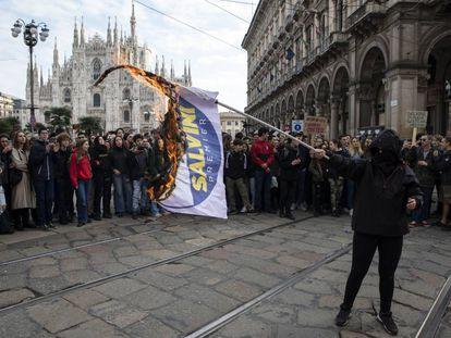 Protestas contra el ministro de Interior italiano el pasado 16 de noviembre en Milán, en el llamado 'No Salvini Day'.