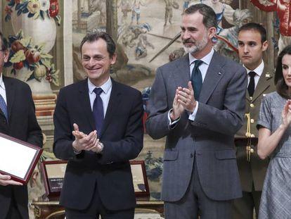Felipe VI durante la entrega de los Premios Nacionales de Investigación 2018, este jueves en Madrid.