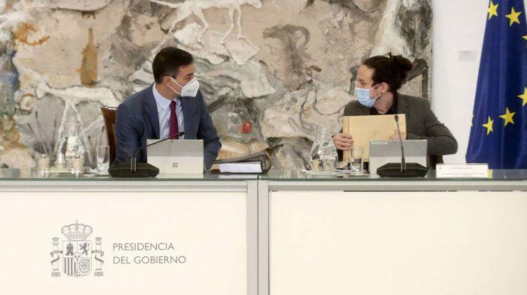Pedro Sánchez y Pablo Iglesias en un Consejo de Ministros.