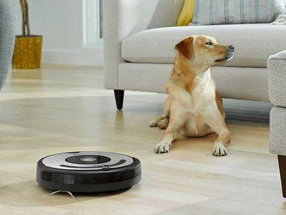 iRobot Roomba 671, uno de los cinco modelos de robots aspiradora por menos de 250 euros analizados en esta comparativa.