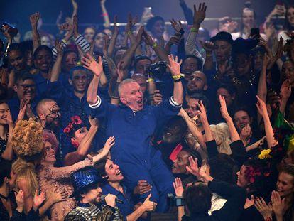 Jean Paul Gaultier, durante su último desfile, en París, este miércoles.