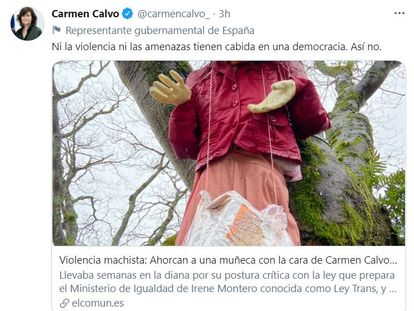 """Carmen Calvo condena la aparición de una muñeca ahorcada con su cara: """"Ni la violencia ni las amenazas tienen cabida. Así no"""""""