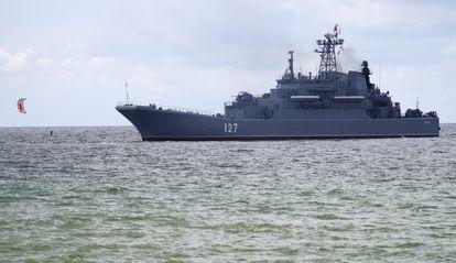 Un destructor ruso participa en unas maniobras en el mar Báltico el 11 de agosto.
