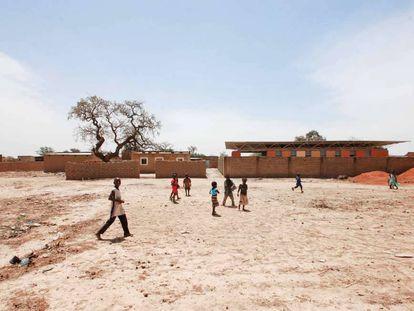 Centro de formación para mujeres en el poblado de Boassa, en Ouagadougou (Burkina Faso), de Albert Faus y Fernando Agustí.