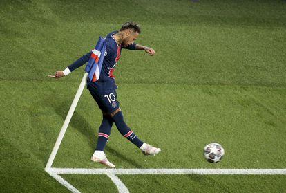 Neymar, durante la ida de la semifinal de la Champions ante el City.