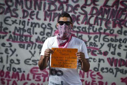 Un estudiante de la Escuela Normal Rural de Ayotzinapa.