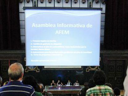 Médicos en la asamblea de AFEM.