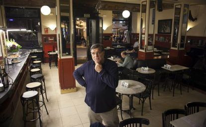 Uno de los socios fundadores del Café Central, el pasado viernes en su local.