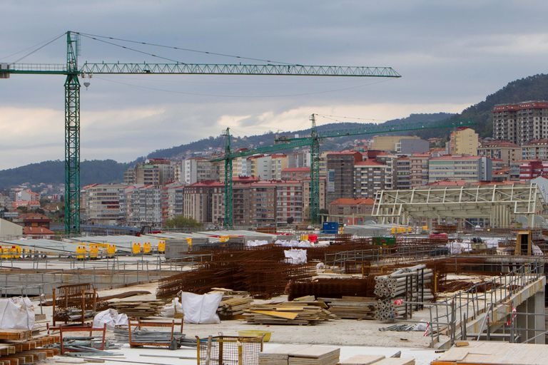 Vista de los trabajos detenidos en la construcción de la nueva estación del AVE en Vigo.