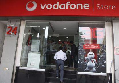 Vista de una tienda de la compañía Vodafone.
