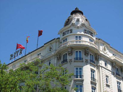 El hotel Ritz, uno de los más antiguos y lujosos de Madrid, aparece en la novela La Venus mecánica, de José Díaz Fernández.