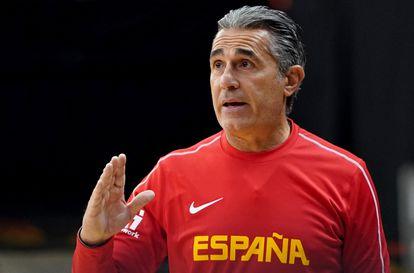 Sergio Scariolo, en un entrenamiento de la selección esta semana en La Fonteta. feb