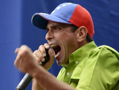 Henrique Capriles durante un mitin de protesta, en noviembre, en Caracas