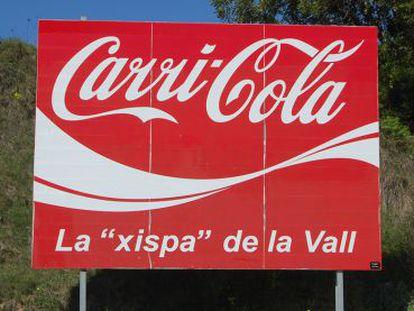 Cartel alusivo a Carrícola que juega con humor con el nombre de la Coca-Cola.
