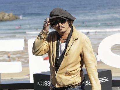 Johnny Depp atiende a los fotógrafos durante el pasado festival de San Sebastián.