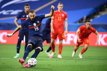 Benzema shoots the penalty ball against Wales,
