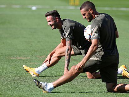 Saúl (i) y Koke, en un entrenamiento del Atlético esta pretemporada.