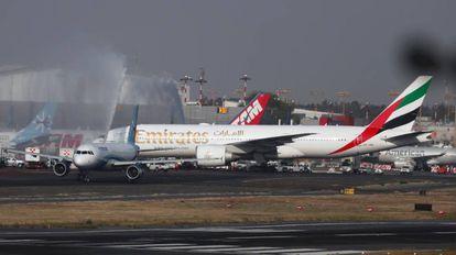 El Boeing 777 de Emirates, en Ciudad de México.