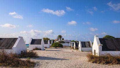 Chozas de esclavos en la isla de Bonaire, en las Antillas. |