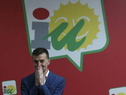 Antonio Maíllo, líder de IU en Andalucía, durante su rueda de prensa de despedida. En vídeo, declaraciones de Maíllo.