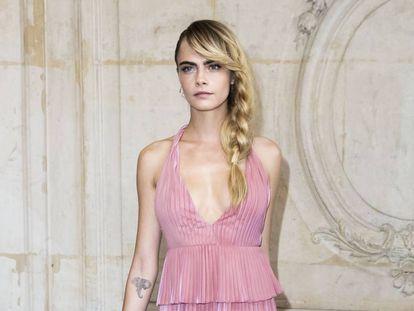 Cara Delevingne durante la Semana de la Moda de París el pasado mes de febrero.