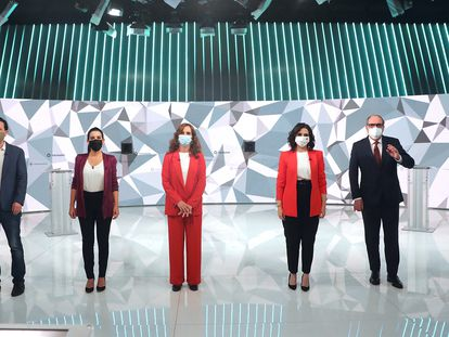 Los candidatos a la presidencia de la Comunidad de Madrid, antes del inicio del debate que se celebró el miércoles en los estudios de Telemadrid.
