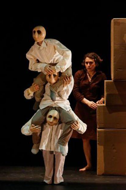 Blick Théâtre y su '[hullu]' que podrá verse en el Mercat de Barcelona.