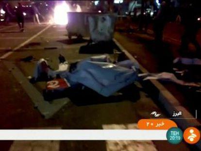Nueve fallecidos, entre ellos un niño de 11 años, durante la noche del lunes elevan el balance letal a una veintena. Hay 450 arrestados en Teherán desde el sábado