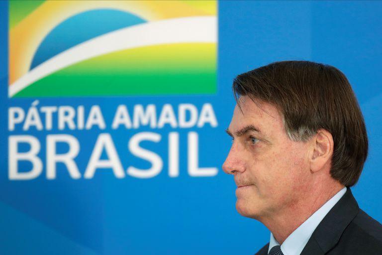 El presidente de Brasil, Jair Bolsonaro, presenta medidas contra el coronavirus en Brasilia, este miércoles.