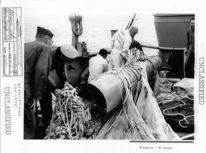 Bomba recuperada tras el accidente nuclear de Palomares. La imagen procede de un documento desclasificado por EE UU.