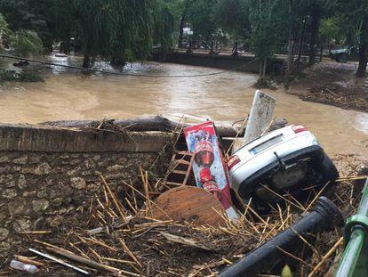 Desperfectos en Riofrío causados por la tromba de agua que ha anegado este viernes esta pedanía de Loja.