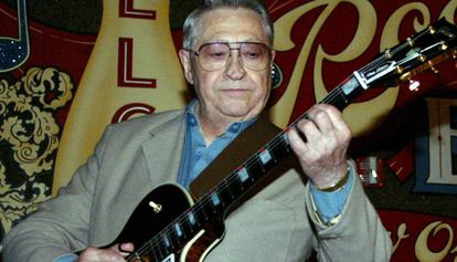 Scotty Moore, en una fotografía de 2003.
